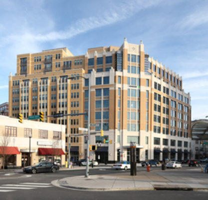 clarendon_center_photo_exterior_north_south_bldgs_view_from_metro_11_web_page